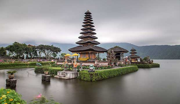 Pura Bratan, Bali