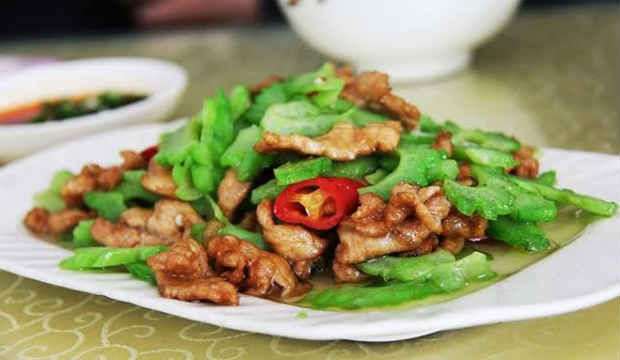 Phaksha Paa, Boneless Pork with Red Chilies