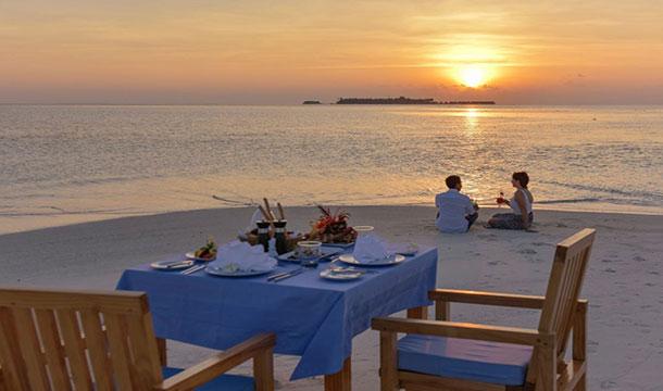 Maafushivaru Maldives couple