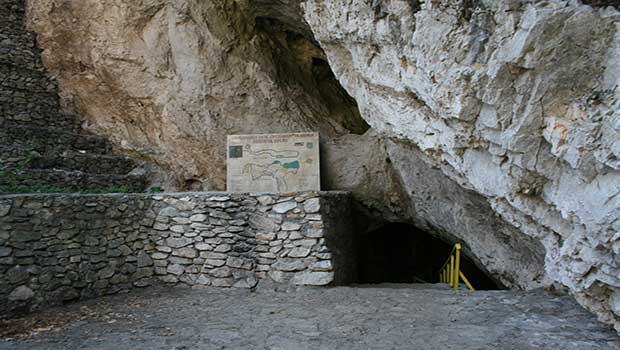 Matka Vrelo Cave Entrance, Macedonia