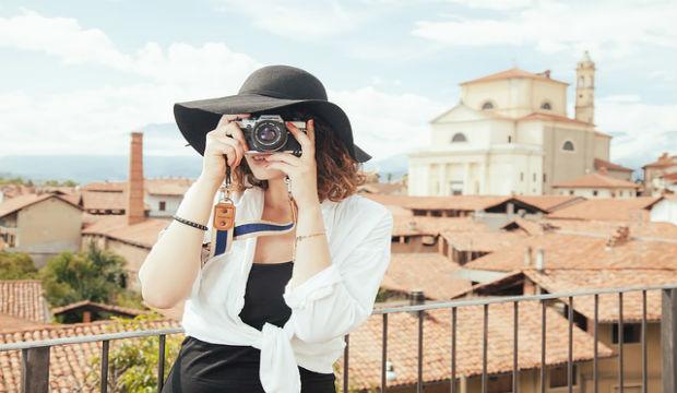 photographer tourist