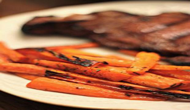 bourbon glazed carrots with steak