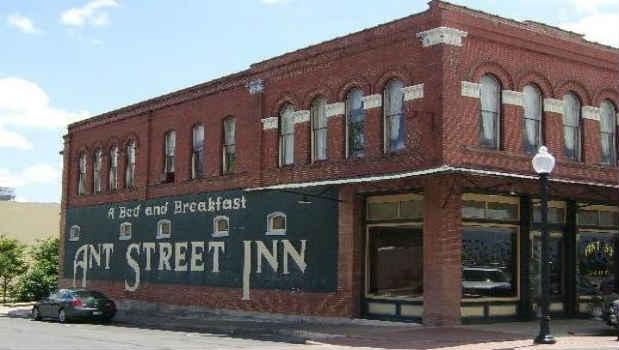 Ant Street Inn in Brenham, Texas